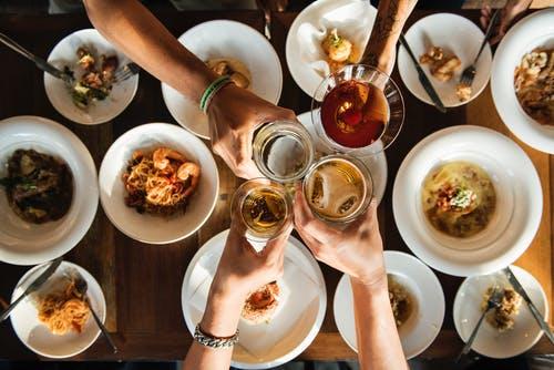 9个字让餐厅每天多赚上千元_餐饮营销策划